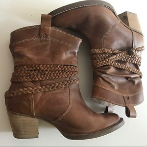 dingo Shoes - Dingo Twisted Sister Tan Leather Short Boot Size 8